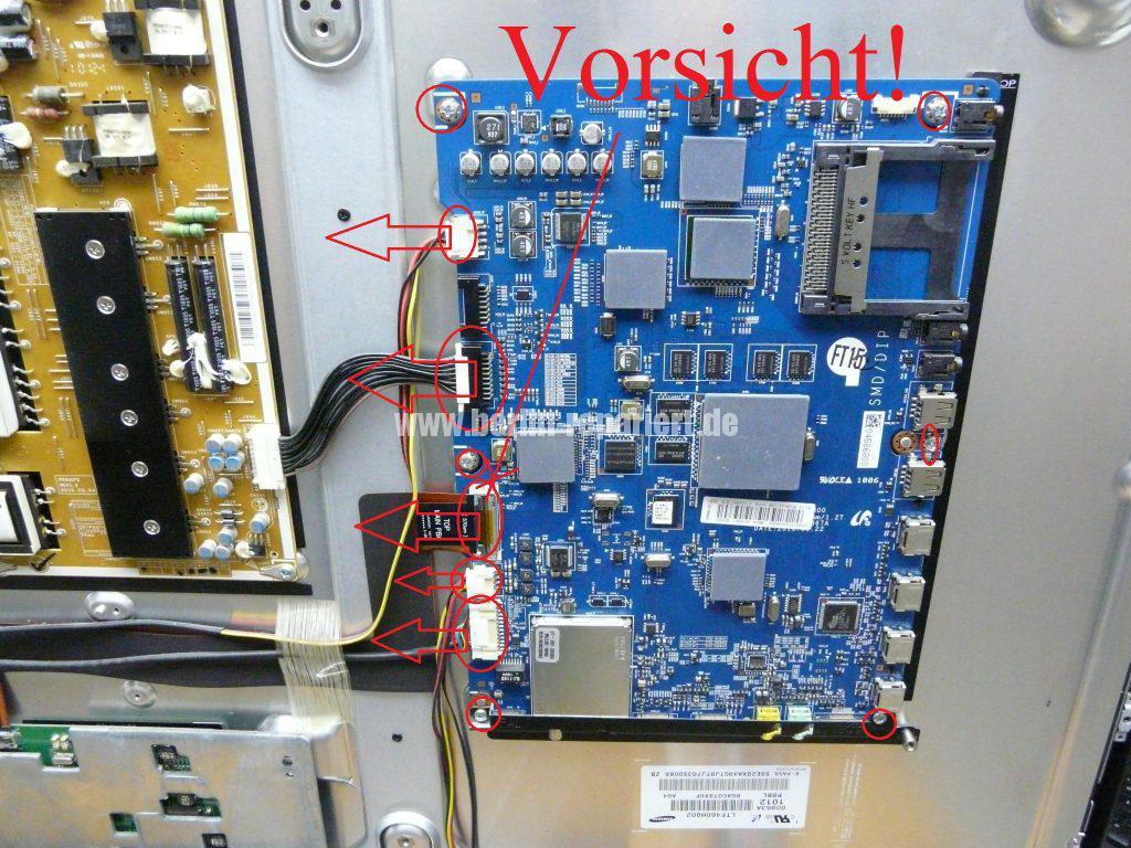 Samsung UE46C7700WS, Antennenbuchse defekt (4)