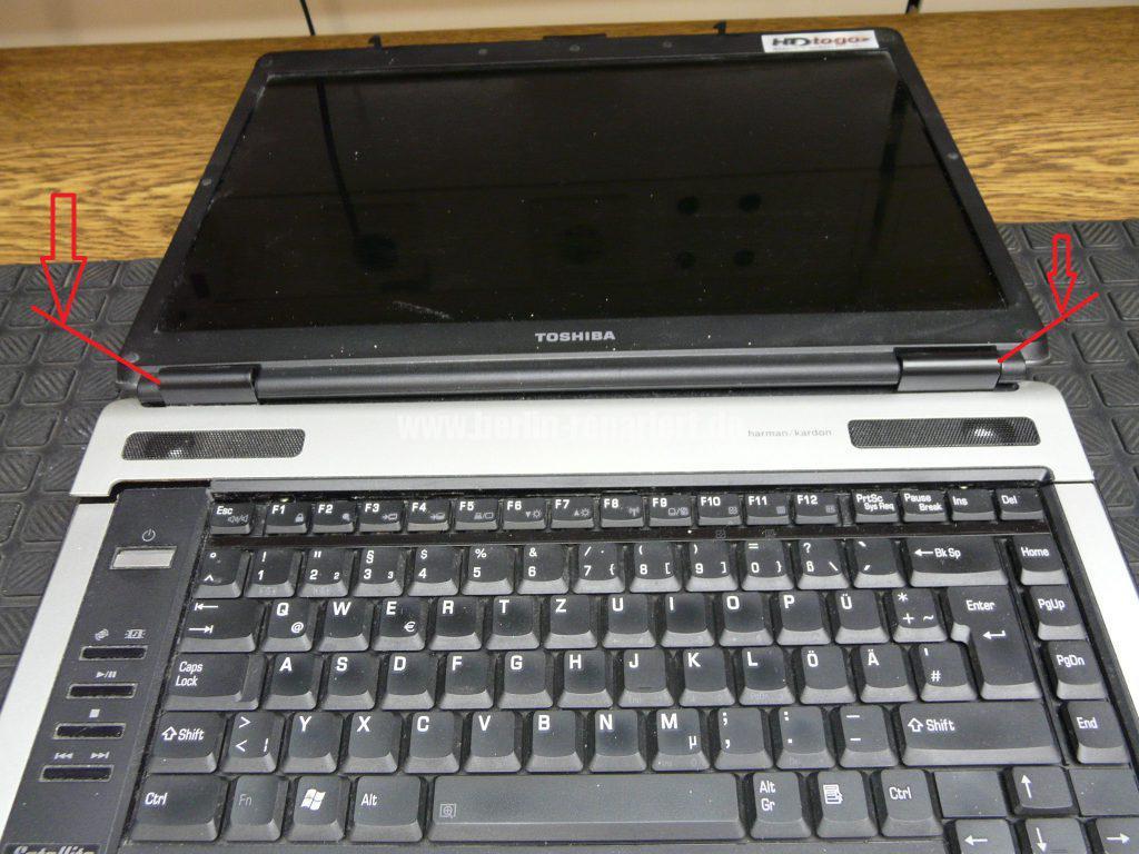 Toshiba A100, Power Knopf reingerutscht (3)