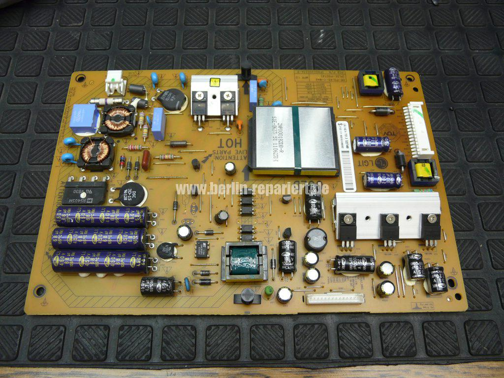 Philips 40PFL6606K, geht nicht An, geht Aus, Blinkt (7)