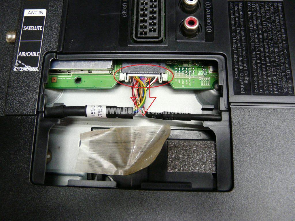 Samsung UE32F670, Tunerbuchse einlöten (3)