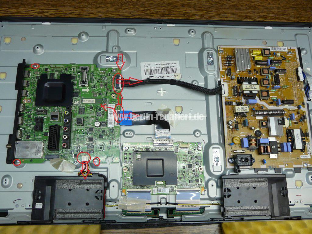 Samsung UE32F670, Tunerbuchse einlöten (4)