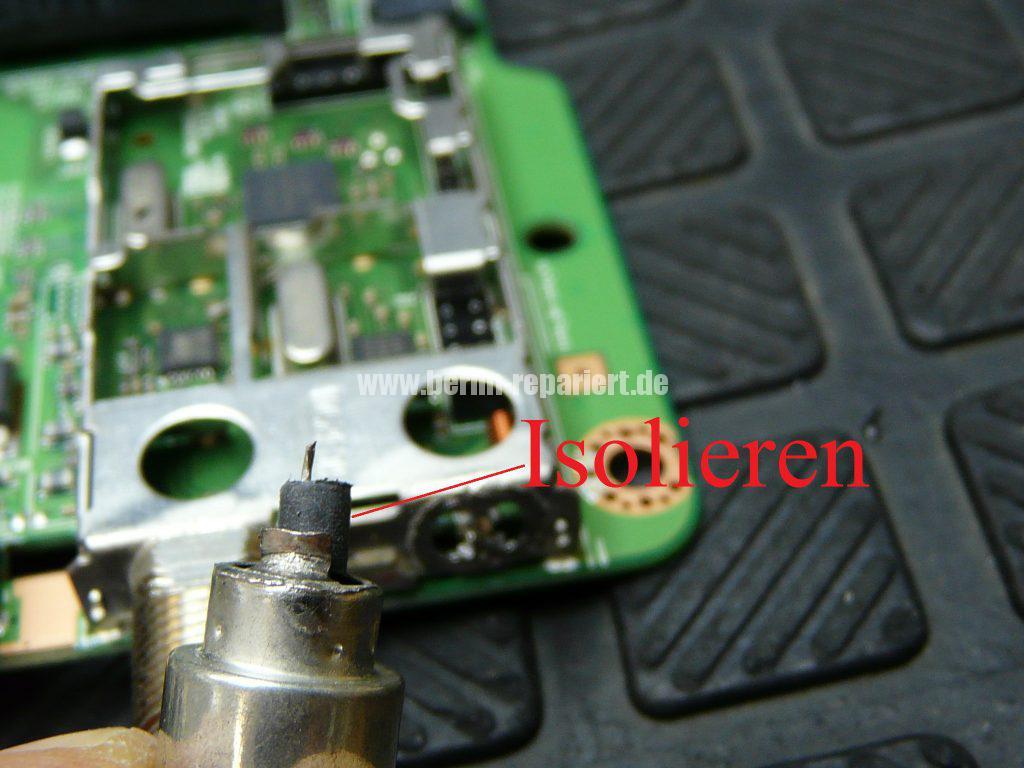 Samsung UE32F670, Tunerbuchse einlöten (9)