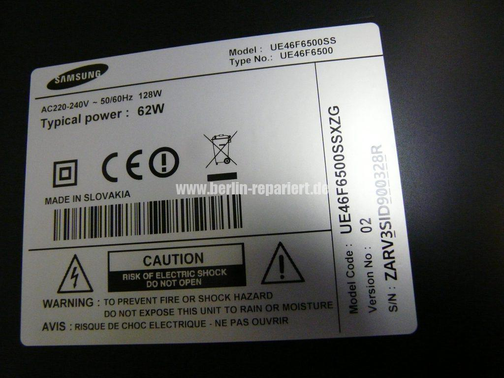 Samsung UE46F6500, Linke Bildhälfte nur bunte Streifen (12)
