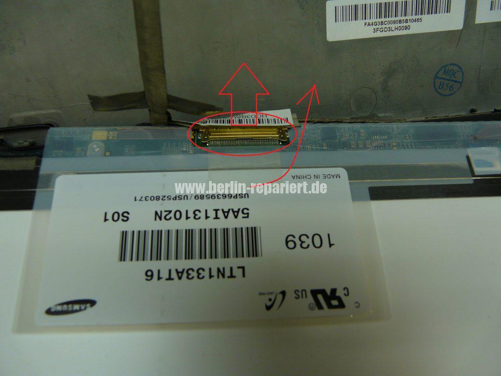 Sony VPCS13V9E, Streifen in Bild (4)