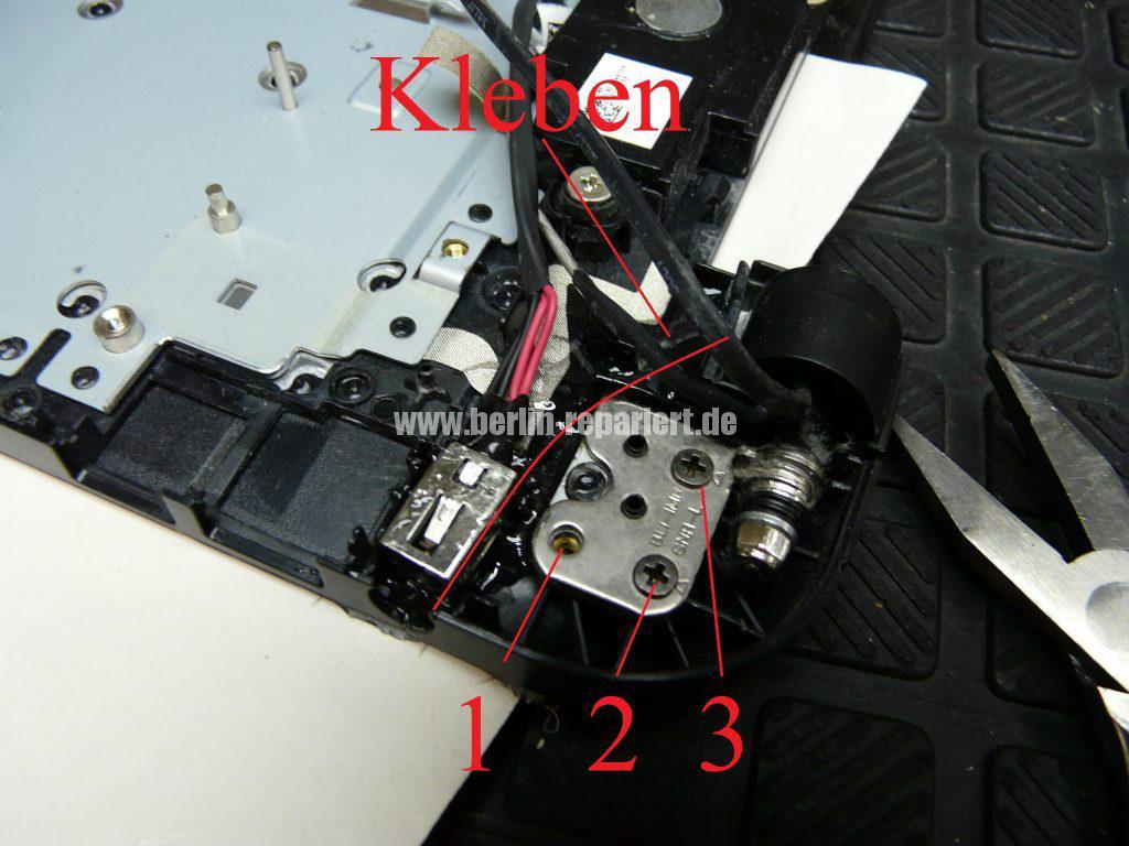 Toshiba Satellite L50D, die Gehäuse und die Netzbuchse sind defekt (3)
