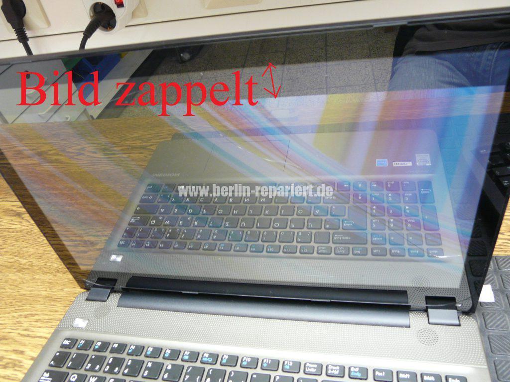 Medion Akoya E6412T, Digitizer geplatzt, Digitizer ausbauen (2)