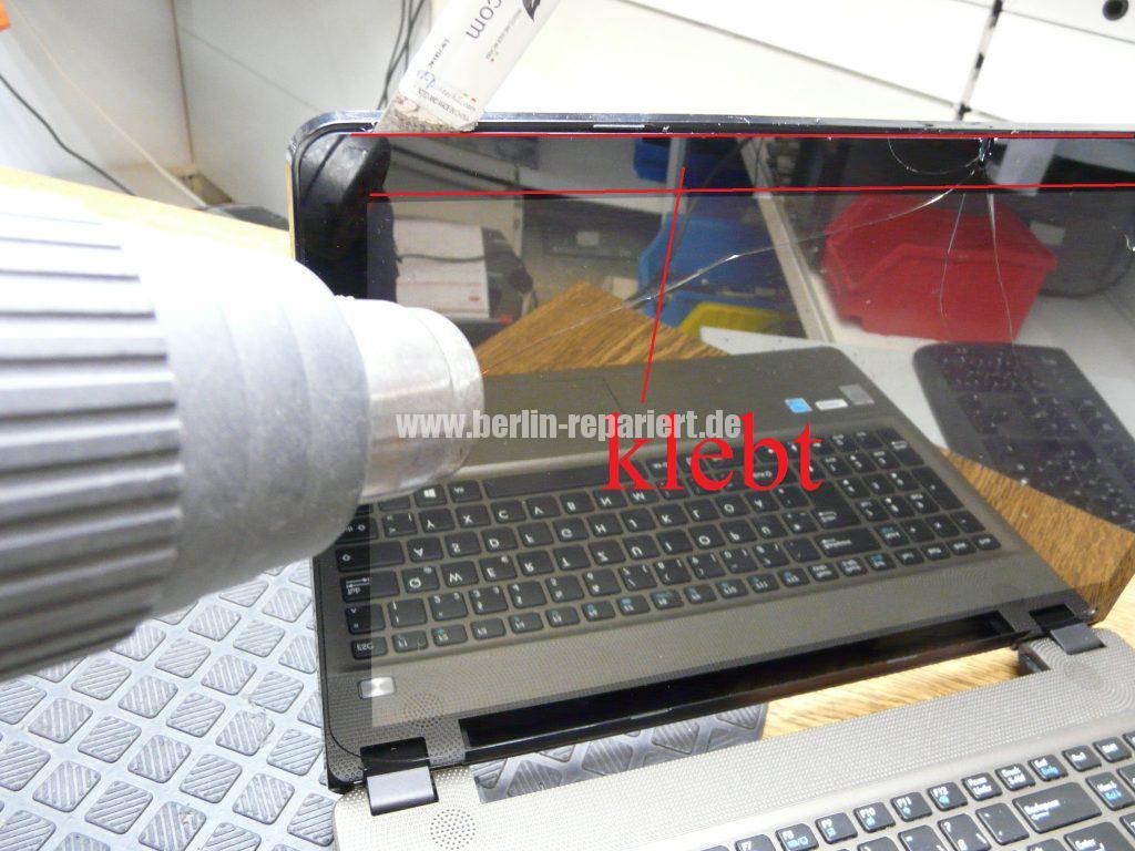 Medion Akoya E6412T, Digitizer geplatzt, Digitizer ausbauen (6)