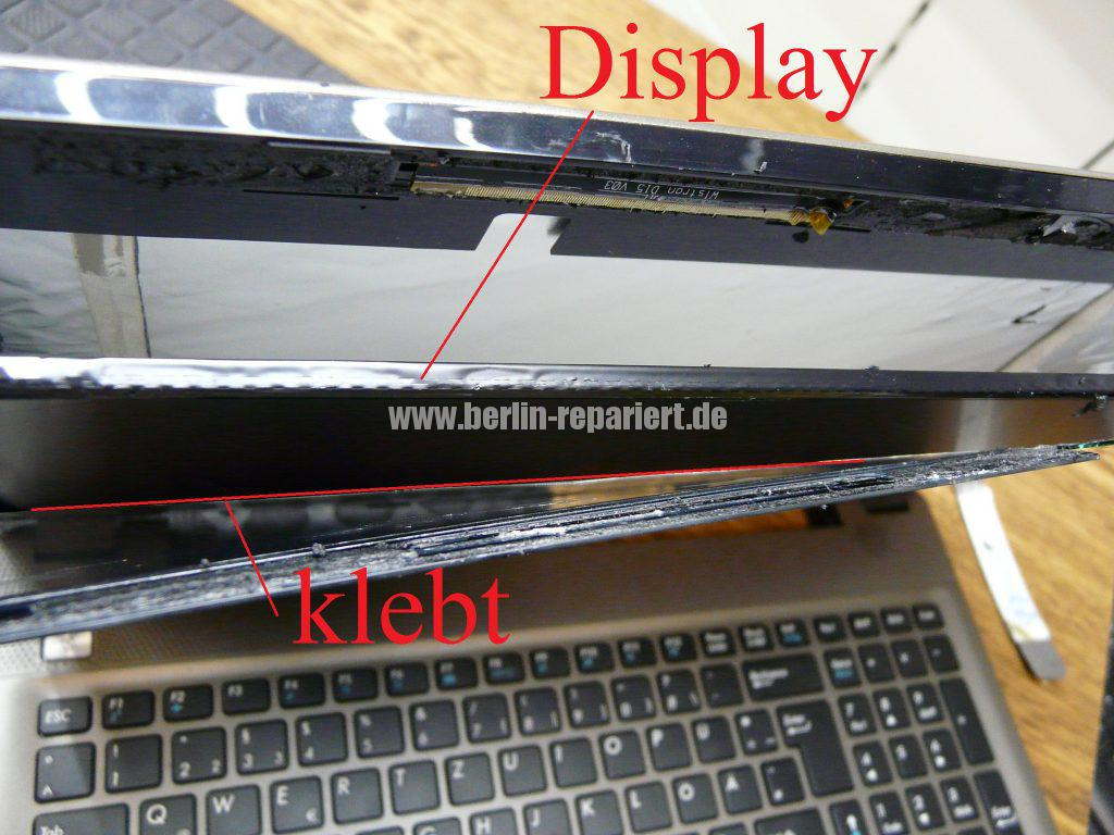 Medion Akoya E6412T, Digitizer geplatzt, Digitizer ausbauen (7)