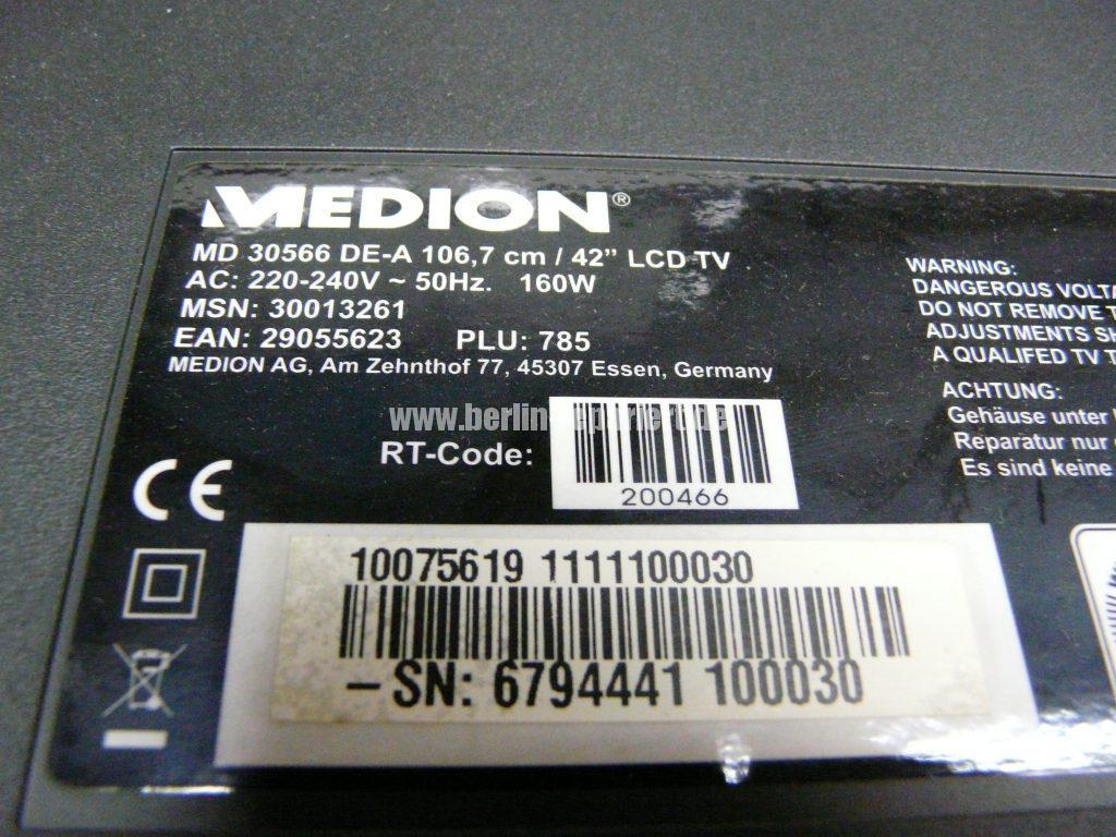 medion-md30566-stby-blinkt-blau-rot-netzteil-zirpt-17