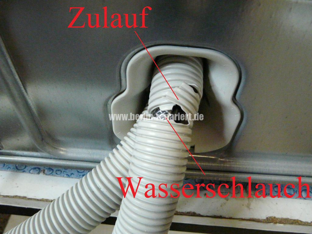 miele-g-2482-verliert-wasser-schlauch-defekt-2