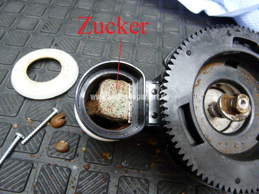 saeco-incanto-hd8917-mahlwerk-defekt-mahlt-nicht-mehr-12