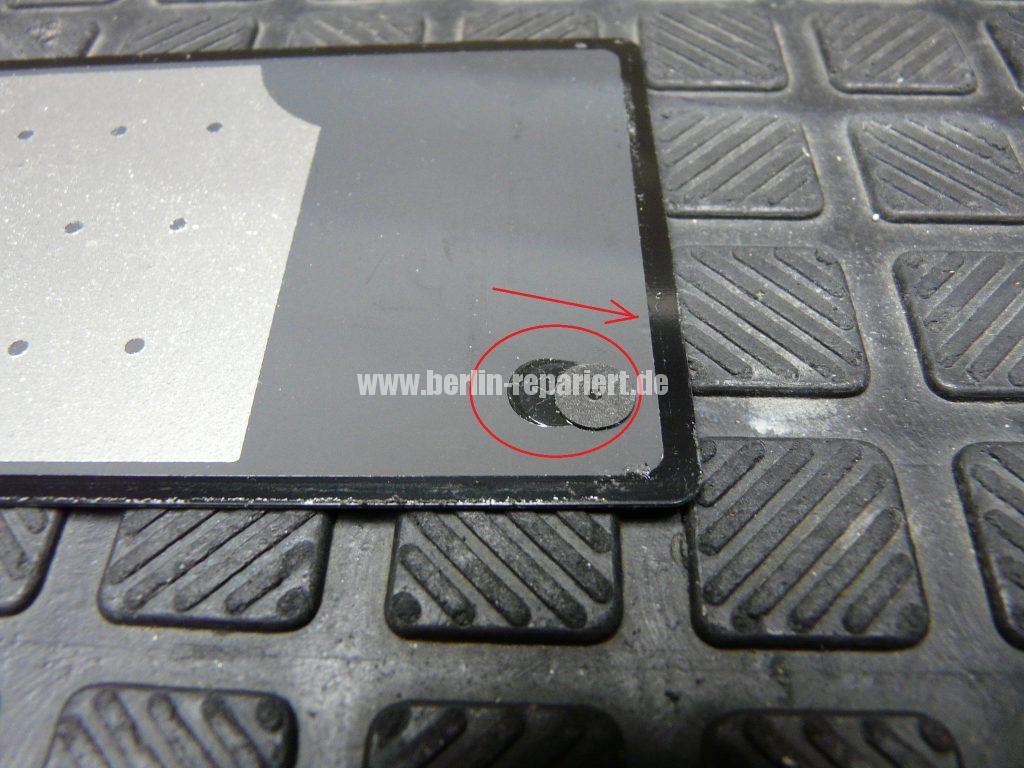 Sony Xperia Z, Akkudeckel ist abgeklebt (3)