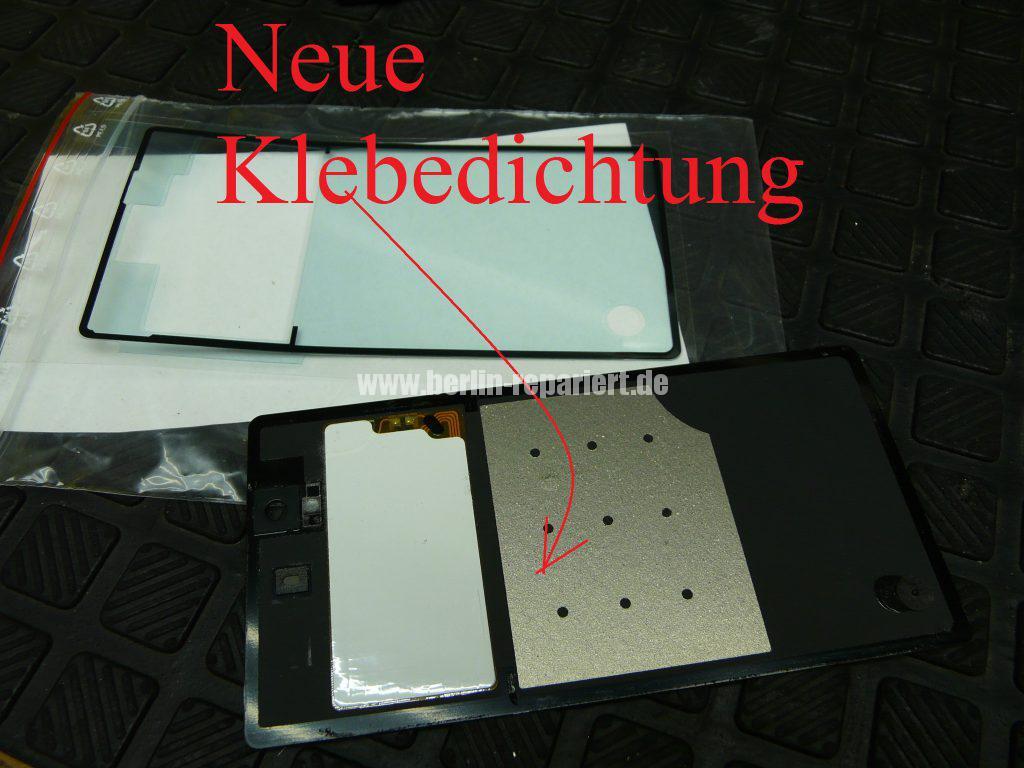 Sony Xperia Z, Akkudeckel ist abgeklebt (4)