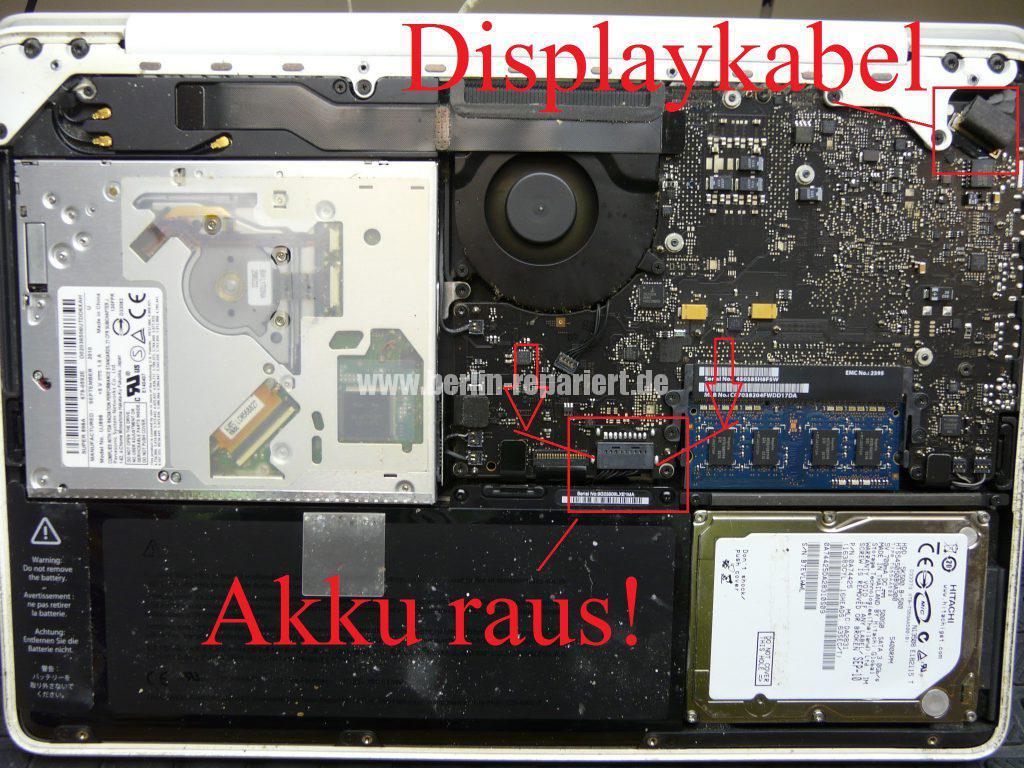 apple-macbook-white-kein-bild-display-leuchtet-rot-gruen-blau-grau-3