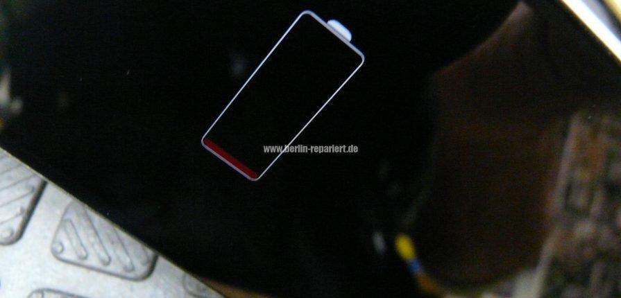 IPHONE 5C GEHT NACH LADEN NICHT MEHR AN