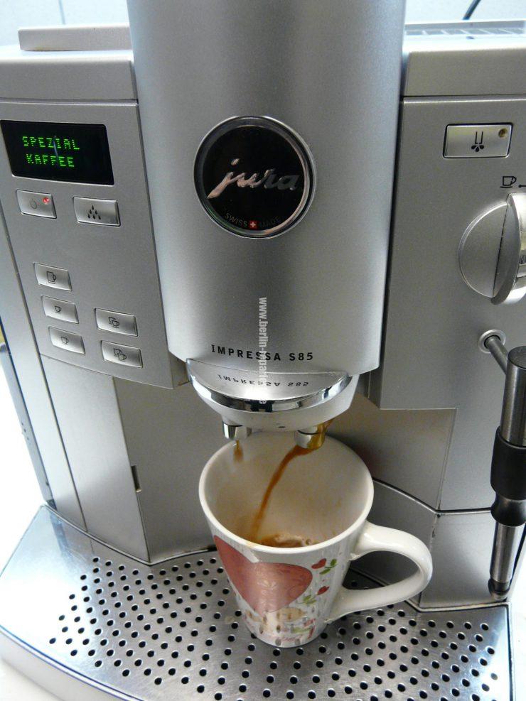 jura s85 kaffee kommt seitlich raus kaffeeauslauf verstopft leon s blog. Black Bedroom Furniture Sets. Home Design Ideas