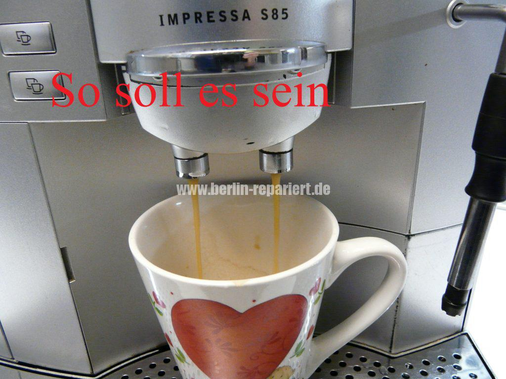 jura-s85-kaffee-kommt-seitlich-raus-kaffeeauslauf-verstopft-8