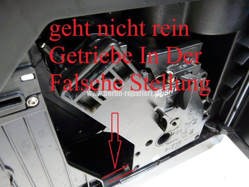 saeco-minuto-hd8761-bruehgruppe-geht-nicht-rein-12