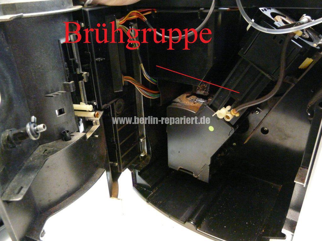 jura-s55-kommt-kein-kaffee-raus-wasser-und-pulver-landen-getrennt-in-der-schalen-3