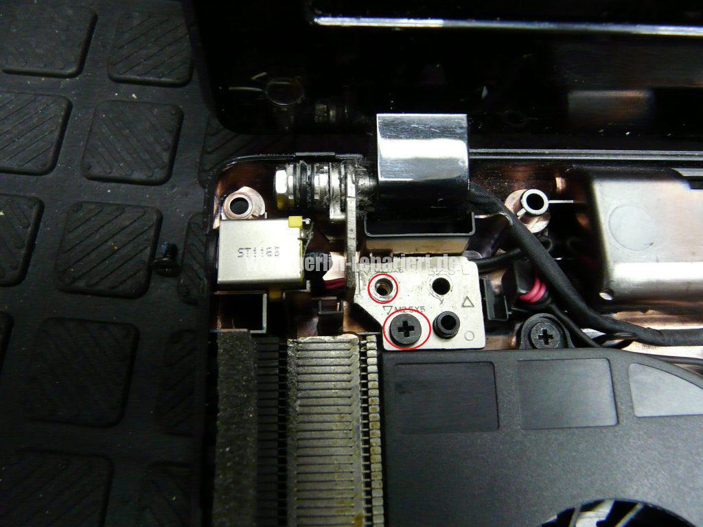 acer-aspire-5250-wackelkontakt-an-der-netzbuchse-6