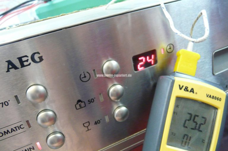 Aeg Kühlschrank Innenbeleuchtung Blinkt : Nordfrost weinkühlschrank