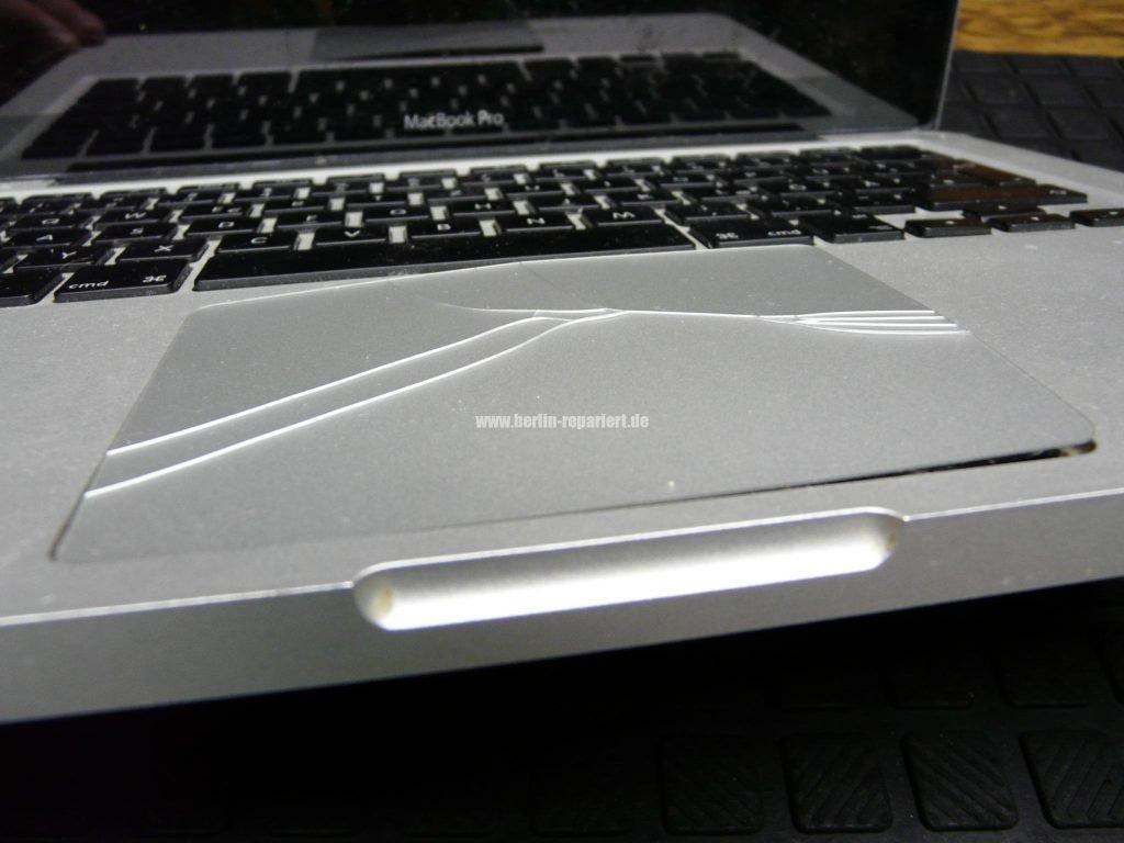 macbook pro aufgebl hte akku touchpad kaputt we repair wir reparieren. Black Bedroom Furniture Sets. Home Design Ideas
